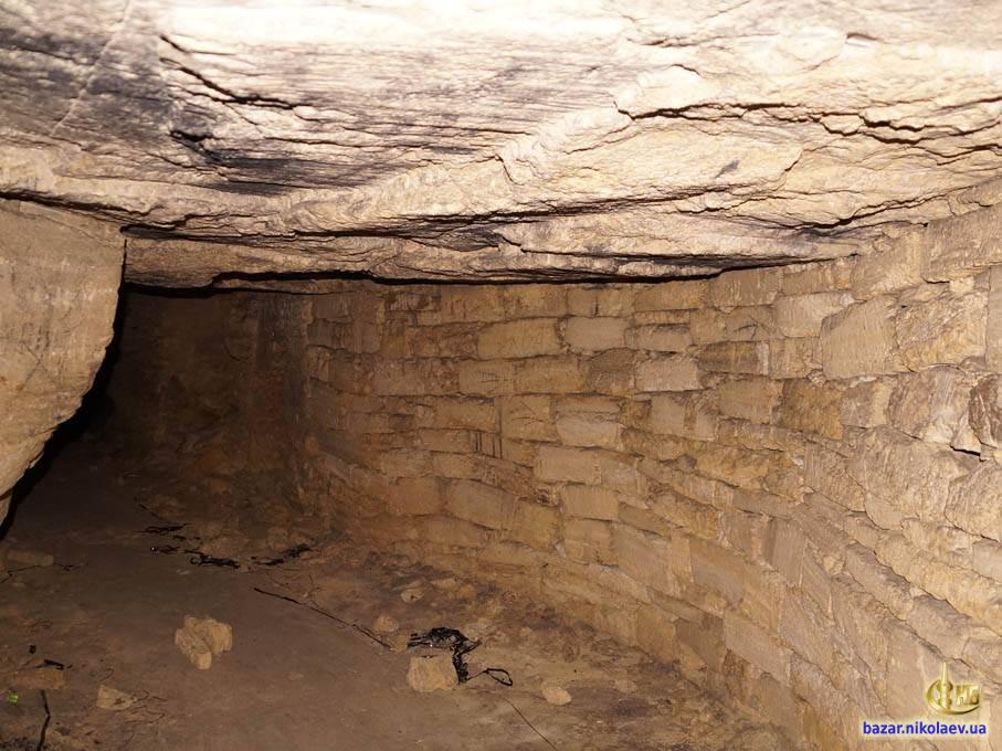 Замки с подземными ходами
