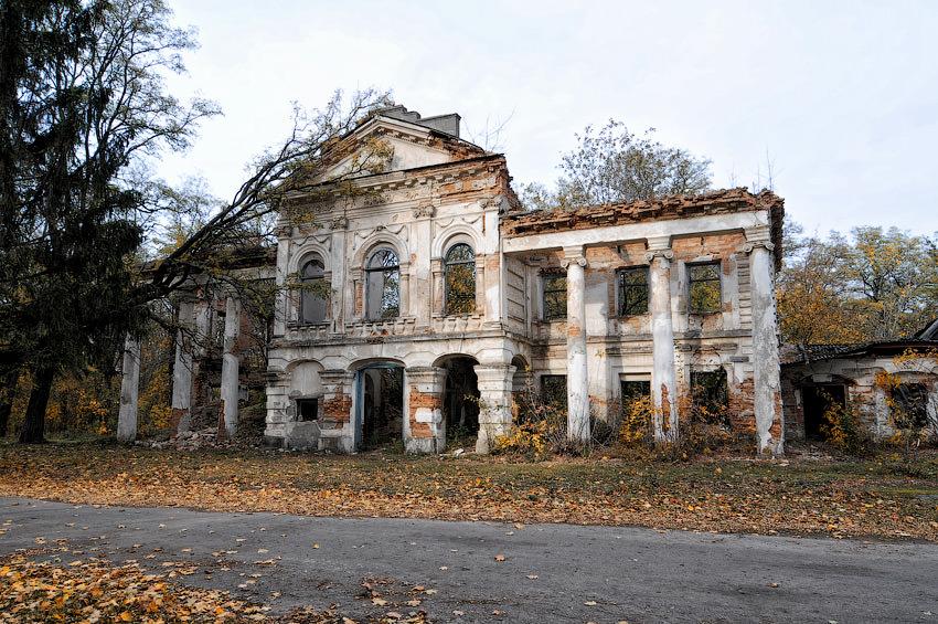 Руины усадьбы Залесских (Браницких)