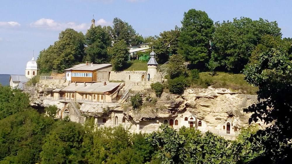 Село Непоротове