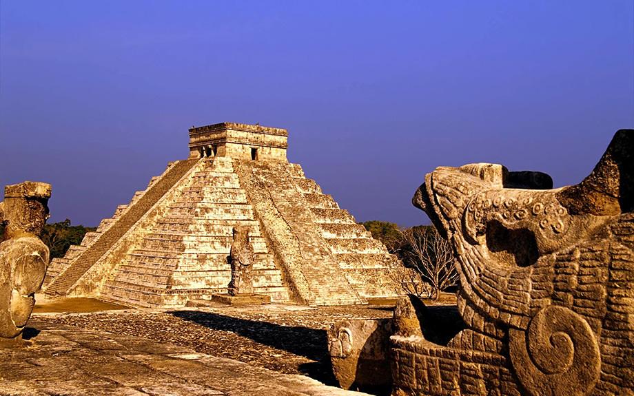 Піраміди міста Чичен-Іца, Мексика